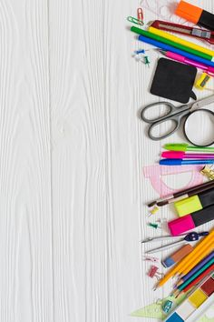Messy school desk Free Photo Classroom Background, Kids Background, Flower Background Wallpaper, Flower Backgrounds, Poster Background Design, Powerpoint Background Design, Borders For Paper, Borders And Frames, Carta Collage