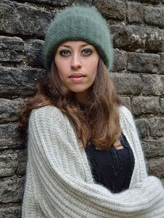 Beautiful Hands, Most Beautiful, Hand Knitting, Knitting Patterns, Knitted Hats, High Fashion, Winter Hats, Beanie, Couture