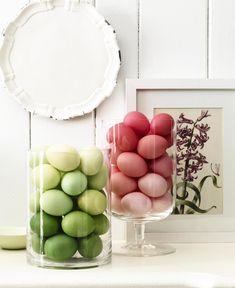 Decoração de: degradê com ovos coloridos;  Casa de Valentina