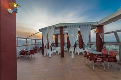 Hotel RH Gijón - Tarde tranquila en la terraza Outdoor Decor, Home Decor, Cozy, Walks, Terrace, Beach, Trendy Tree, Decoration Home, Room Decor