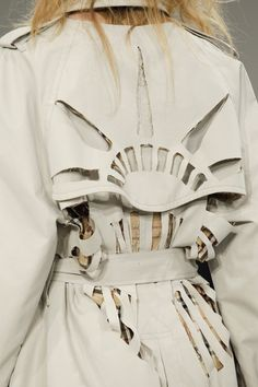 See detail photos for Maison Margiela Fall 2017 Ready-to-Wear collection.