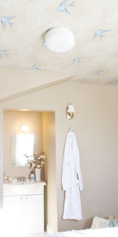 Not sure I'm brave enough to tackle a wallpapered ceiling, but this is beautiful!