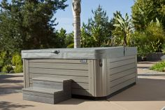 The energy-efficient Vanguard hot tub comfortably seats 6 people and features targeted jet groups that soothe your neck, shoulders, back and feet. True comfort for the whole family!