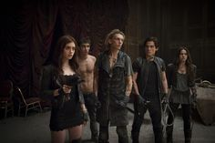 Is that an electrum whip I spy? And a shirtless Simon...#themortalinstrumentsmovie
