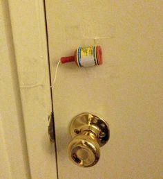 Affix-a-party-popper-to-your-kid's-bedroom-door..jpg 763×835 Pixel