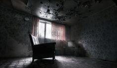 Egy sötét szoba mindig az eleganciát és a kifinomultságot képviseli számunkra, míg a színekben gazdag szoba nyugtatja az idegeket. Ebben a tesztben azonban csak sötét árnyalatú szobák közül választhatsz, ugyanis ösztönös választásod egyértelműen utal arra, hogy mit rejteget a tudatalattid, mi az, ami még előtted is titoknak számít? Teszteld magad, és fedezd fel rejtett valódat!  - Női Portál - Női Portál - a nők birodalma - Nőiportál.hu