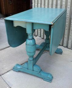 Love the black glaze detail. Antique chunky drop leaf table in distressed Sea Blue with Black Glaze. Paint Furniture, Furniture Making, Furniture Makeover, Furniture Ideas, Gothic Furniture, Dresser Makeovers, Moving Furniture, Table Furniture, Vintage Furniture
