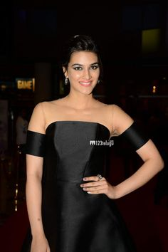http://forum.santabanta.com/showthread.htm?379768-SIIMA-Awards-2015-Day-1-Hot-Pictures