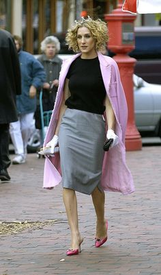 fall street style, Carrie Bradshaw style, sarah jessica parker best looks, sex and the city outfits, Carrie Bradshaw Outfits, Estilo Carrie Bradshaw, Sarah Jessica Parker, City Outfits, Mode Outfits, Fashion Week, Look Fashion, Womens Fashion, City Fashion