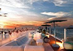 Einmal das Leben eines Rockstars leben – das nagelneue Hard Rock Hotel an Ibizas Playa d'en Bossa macht diesen Traum wahr, inklusive Frühstück, Spa-Specials
