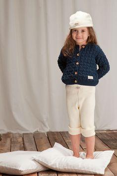 Navy-lookia , TIPU- neuletakki ( 59 eur) / navy-look TIPU- cable cardigan. www.anne.fi #ecological #childrensknitwear #neuletakki #lastenneuleet #organic #ecologicalknitwear