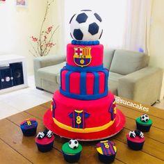 Bolo do Barcelona Messi Birthday, 10 Birthday Cake, Soccer Birthday Parties, 10th Birthday, Bolo Do Barcelona, Barcelona Soccer, Leonel Messi, Bolo Real Madrid, Soccer Cake