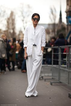 5 Ways to Look Thinner in Your Clothes http://laurenmessiah.com/2013/12/5-ways-look-thinner-clothes/