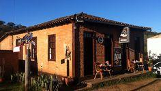 Cafeteria feita de adobe em Minas Gerais