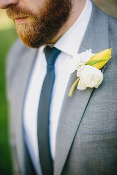 White and yellow boutonniere | Castle Lady Hawke Wedding | Blue Bend Photography | Via MountainsideBride.com
