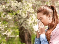 Multi oameni fac alergie sau se confrunta cu problema alergiilor. De aceea in cazurile in care manifestarea acestora nu este de intensitate ridicata, le poti trata la fel de bine si de acasa. Natural Remedies For Allergies, Allergy Remedies, Allergy Symptoms, Essential Oil Still, Fall Allergies, Itchy Eyes, Pet Dander, Runny Nose, Allergies