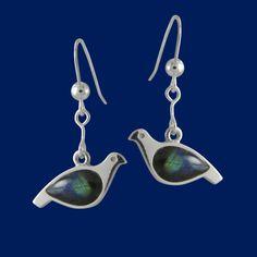 Ptarmigan, earrings, silver & spectrolite. Riekko korvakorut, hopeaa, kivenä spektroliitti. Design Juha Janger / Taigakoru