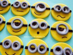 Fondant Minions Cupcakes