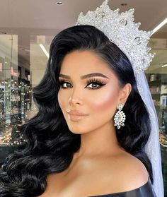 Bridal Hair And Makeup, Bride Makeup, Wedding Hair And Makeup, Wedding Hair Accessories, Hair Makeup, Makeup For Brides, Wedding Makeup For Brunettes, Quince Hairstyles, Bride Hairstyles