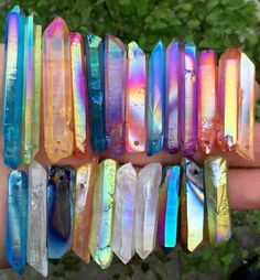 86g 23Pcs Aura Quartz Crystal Titanium Bismuth Silicon Points Rainbows Q657
