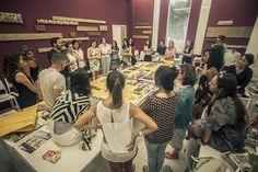 Os participantes participam de aulas práticas nos laboratórios do Instituto Europeu de Design (IED)