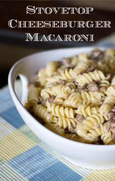 This Stovetop Cheeseburger Macaroni can be ready in 30 minutes! Spaghetti Recipes, Pasta Recipes, Dinner Recipes, Noodle Recipes, Dinner Ideas, Veal Recipes, Cookbook Recipes, Kitchen Recipes, World's Best Food