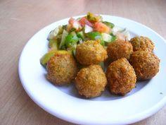 El falafel es una de las preparaciones más consumidas en los países árabes y un plato emblema en el resto del planeta, en cuando a gastronomía se refiere.