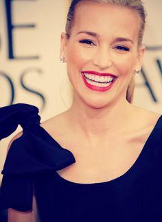 Piper Perabo.  Beautiful smile.