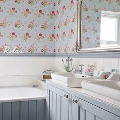 Casinha colorida: TOP 10: banheiros no estilo cottage