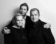 Vogue Netherlands is very proud to present its very first 'Vogue Art Special' with guest editor in chief @MarioTestino for the @Rijksmuseum's new exhibition 'New Realities. Photography in the 19th Century' which opens on June 17th at the Rijksmuseum go see! Find the Vogue Art Special as a supplement along Vogue's Summer July/August issue which hits stores June 22. #VogueArtSpecial #MarioTestino #Rijksmuseum  @Reinier_RVDA  via VOGUE HOLLAND MAGAZINE OFFICIAL INSTAGRAM - Fashion Campaigns…