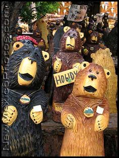 Ruidoso,NM - overrun by chainsaw-carved bears