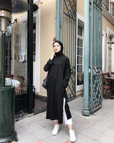 ZAFUL offers a wide selection of trendy fashion style women's clothing. Modern Hijab Fashion, Street Hijab Fashion, Hijab Fashion Inspiration, Muslim Fashion, Mode Inspiration, Modest Fashion, Fashion Outfits, Mode Abaya, Mode Hijab