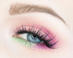 Petal Pink and Minty Greens Makeup Tutorial. This is a step-by-step easy to follow picture tutorial with a minty green and petal pink look. by Makeup Artist Rebecca Shores  — rebeccakshores.com #EyeMakeupGlitter Green Eyeshadow Look, Colorful Eye Makeup, Makeup For Green Eyes, Pink Eyeshadow, Pink Makeup, Eyeshadow Looks, Eyeshadows, Natural Eye Makeup, Natural Eyes