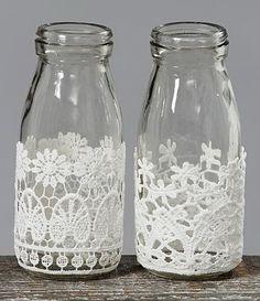 Paint instead of glue Diy Bottle, Bottle Crafts, Bottles And Jars, Mason Jars, Milk Bottles, Decoupage Tins, Starbucks Bottles, Rabbit Crafts, Painted Jars