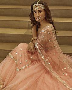"1,629 likerklikk, 10 kommentarer – @afashionistasdiaries på Instagram: ""Sitara by @abhinavmishra_ Spring/Summer 2017 Collection  #bollywood #style #fashion #beauty…"""
