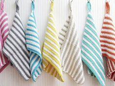 Kostenlose DIY-Anleitung: Gestreifte Gästehandtücher häkeln / free diy tutorial: how to crochet you own towels via DaWanda.com