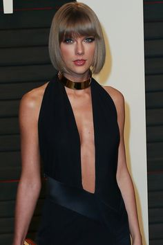 Pin for Later: Taylor Swift Serves Up Some Major Face While Dancing at Calvin Harris's Concert