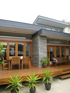 deck- I love the modern lines of this house and deck!  How awesome