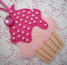 Felt cupcake decoration, via Flickr.