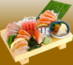 Sushi has become more and more popular. Part of that popularity is due to the nutritional values in sushi . Sushi is chocked full of lea. Sashimi Sushi, My Sushi, Best Sushi, Japanese Sushi, Japanese Dishes, Asian Recipes, Healthy Recipes, Ethnic Recipes, Sushi Comida