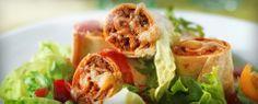 Lækre fuldkornsrullermed smag af hvidløg, løg, paprika og oregano. Serveressom fingermad på et stort fad sammen med salat, friske tomater og den friske økologiske dressing.