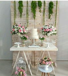 Birthday Party Decorations, Wedding Decorations, Head Table Wedding, Dream Party, Cute Baby Shower Ideas, Brunch Wedding, Table Flowers, Butterfly Birthday, Simple Weddings