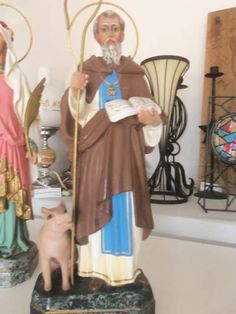 . Figura en escayola de san antoni del porquet. antigua y bien conservada. somos de pinoso (alicante) el pata antig�edades