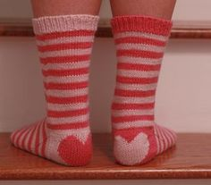 Love Socks by Devon Clement. >> free knitting pattern on Ravelry. Knitting Designs, Knitting Patterns Free, Free Knitting, Knitting Projects, Free Pattern, Crochet Socks, Knitting Socks, Knit Crochet, Knit Socks