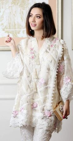 Komal Aziz✨white dress collection ❤in. ✨**unique in white** board created by **Haya Maik** ✨ Pakistani Dresses Casual, Indian Dresses, Casual Dresses, Fashion Dresses, Pakistani Clothing, Pakistani Couture, Nikkah Dress, Stylish Dresses For Girls, Designs For Dresses
