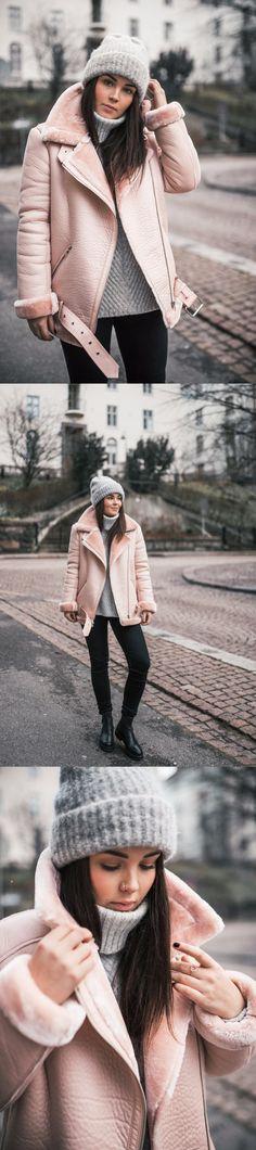Sweater | Bik Bok | Pants | Jeans | Levi's | Coat | Leather Coat | Bik Bok | Boots | Vagabonds | Beanie | Zara | Annika Ollila