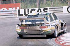 Una del preciós BMW Art Car pintat per Roy Lichtenstein que Hervé Poulain i Marcel Mignot van pilotar a Le Mans 1977