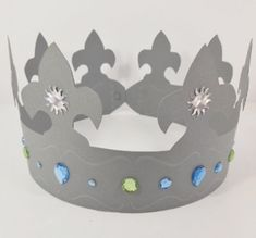"""Couronne des rois"" - Lilly is Love Épiphanie Diy, Diy Paper, Paper Art, Diy For Kids, Crafts For Kids, Island Crafts, Manitoulin Island, Medieval, School Projects"
