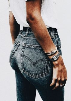 white tees + levis 501 skinny jeans + cartier nail bracelet | everyday outfit ideas | celebrity fashion