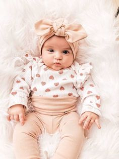 This super sweet set of nude leggings and turban hat is great for preemies, newborns,babies and toddlers! It is stylish for your baby and makes a great gift that anyone can be proud to give to a lucky mom and baby. Nude Leggings, Baby Leggings, Newborn Coming Home Outfit, Newborn Girl Outfits, Take Home Outfit, Mama Baby, Mom And Baby, Neutral Baby Clothes, Cute Baby Clothes